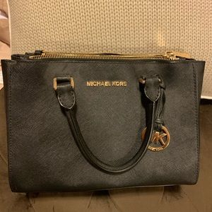 Small Michael Kors Tote (long strap not included)